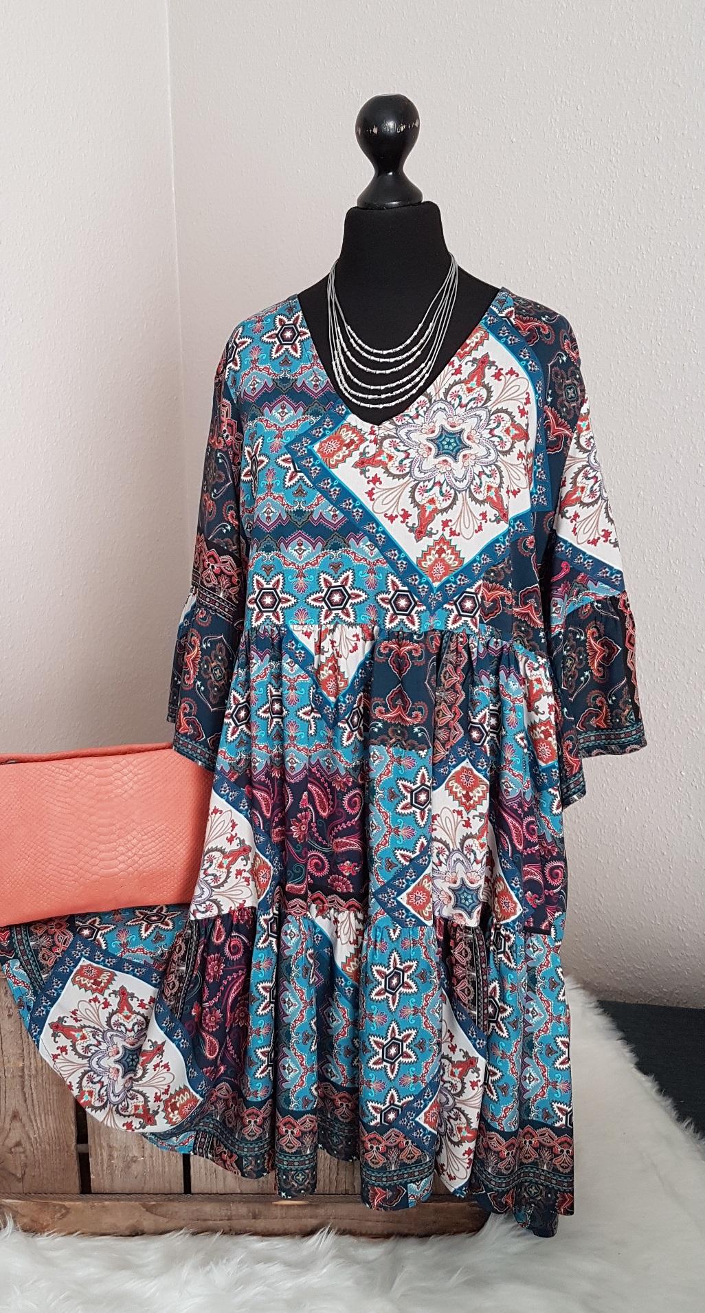 Leichtes oversize Hängerchen-Kleid / Long-Tunika - mit Paisleymuster - blau  - Einheitsgröße (passend von 11 - 11)