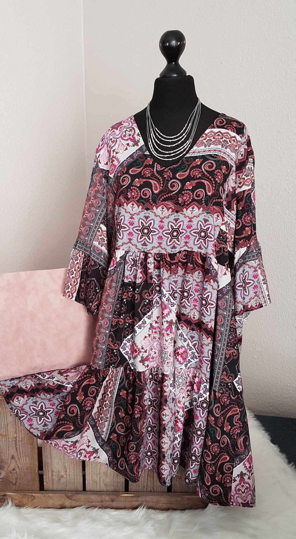Leichtes oversize Hängerchen-Kleid / Long-Tunika - mit Paisleymuster -  flieder / schwarz - Einheitsgröße (passend von 11 - 11)