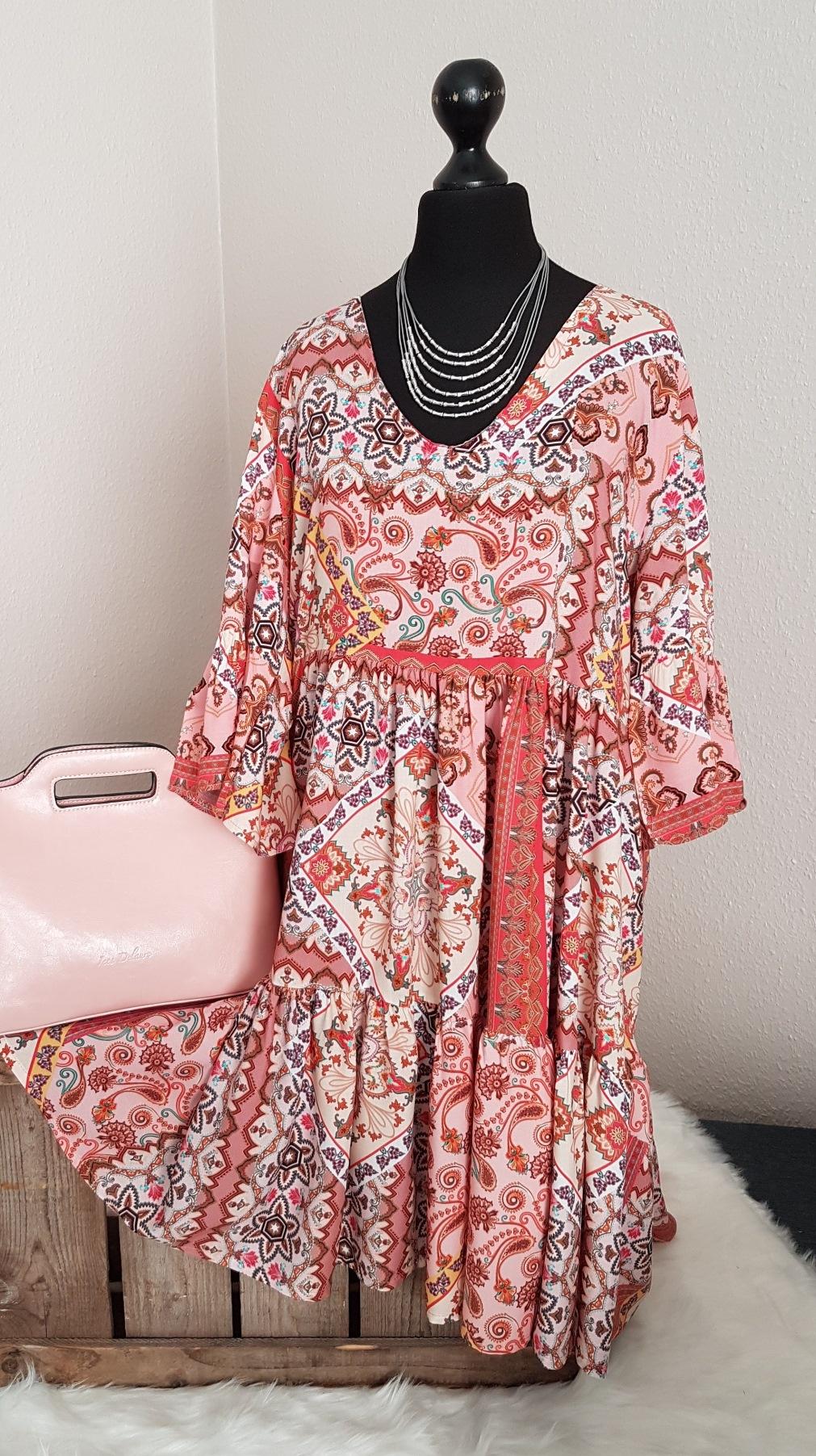 Leichtes oversize Hängerchen-Kleid / Long-Tunika - mit Paisleymuster - rosa  - Einheitsgröße (passend von 11 - 11)